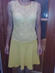 Платье ярко-желтое из гипюра с юбкой полу-солнце р-р 44 на рост 160-16